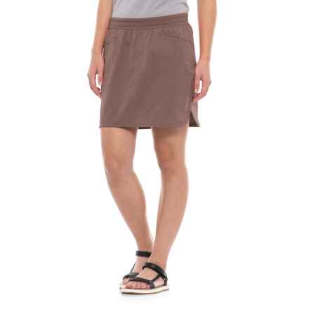 Mountain Hardwear Right Bank Skirt - UPF 50 (For Women) in Deep Lichen - Closeouts