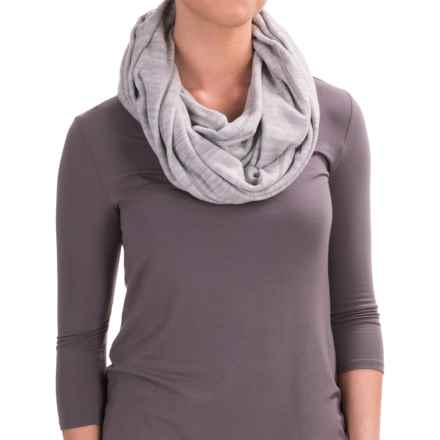 Mountain Hardwear Snowpass Infinity Scarf (For Women) in Heather Steam - Closeouts