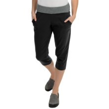 Mountain Hardwear Solidity Capris (For Women) in Black - Closeouts