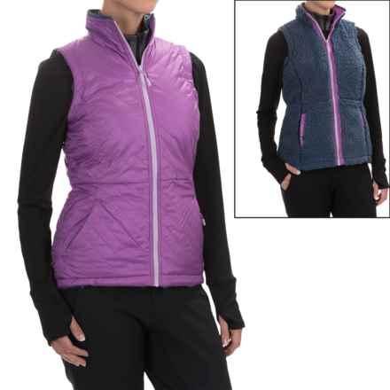 Mountain Hardwear Switch Flip Reversible Vest (For Women) in Northern Lights/Zinc - Closeouts