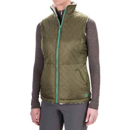 Mountain Hardwear Switch Flip Reversible Vest (For Women) in Stone Green/Stone - Closeouts
