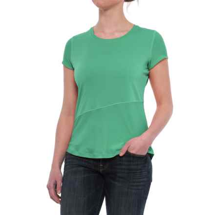 Mountain Hardwear Wicked Lite T-Shirt - Crew Neck, Short Sleeve (For Women) in Green Mile - Closeouts