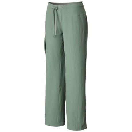 Mountain Hardwear Yuma Pants - UPF 50 (For Women) in Vert