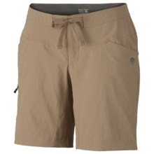 Mountain Hardwear Yuma Shorts - UPF 50 (For Women) in Dune - Closeouts