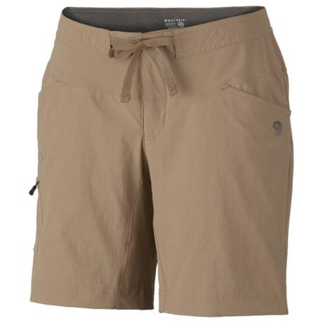 Mountain Hardwear Yuma Shorts - UPF 50 (For Women) in Dune
