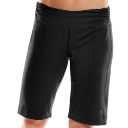 Moving Comfort Fearless Bermuda Shorts - Mid-Rise (For Women) in Black