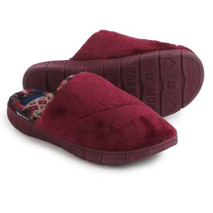 Muk Luks Gretta Slippers (For Women) in Chianti - Closeouts
