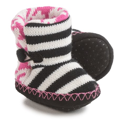 Muk Luks Houndstooth Booties (For Infants) in Black/White/Pink