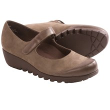 Munro American Alpine Mary Janes (For Women) in Taupe Nubuck - Closeouts