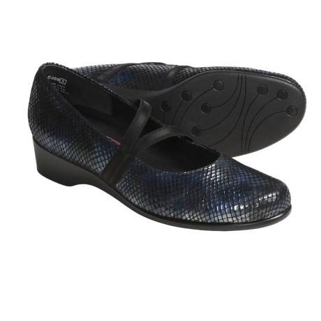 Munro American Andrea Shoes - Mary Janes (For Women) in Navy Snake