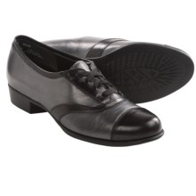 Munro American Ascot Shoes - Leather (For Women) in Gunmetal Metallic/Black Leather - Closeouts