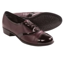 Munro American Ascot Shoes - Leather (For Women) in Wine Kid/Wine Patent - Closeouts