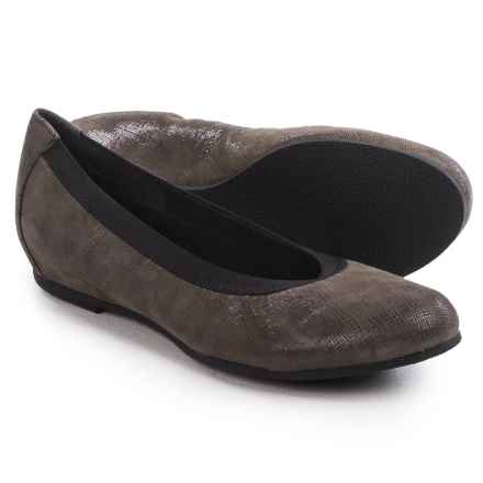 Munro American Ashlie Ballet Flats - Suede (For Women) in Grey Crosshatch Suede - Closeouts