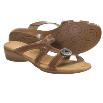 Munro American Chloe Sandals (For Women) in Tan Leather