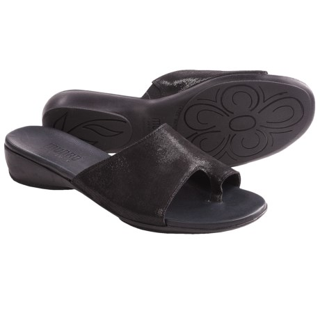 Munro American Elise Sandals (For Women) in Black Shimmer