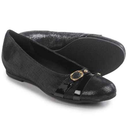 Munro American Josie Shoes - Leather, Slip-Ons (For Women) in Black Crosshatch - Closeouts