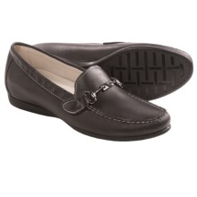 Munro American Kimi Loafers (For Women) in Black Leather - Closeouts