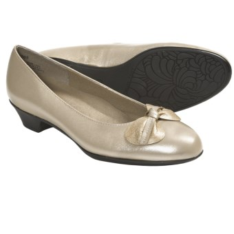 Munro American Meg Pumps - Leather (For Women) in Bone