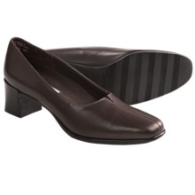 Munro American Meredith Pumps (For Women) in Brown Leather - Closeouts
