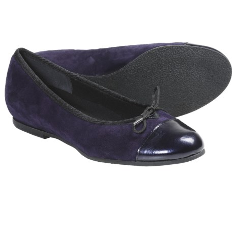 Munro American Sky Shoes - Suede (For Women)