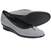 Munro American Sydney Shoes - Wedge Heel (For Women) in Black/White Houndstooth - Closeouts