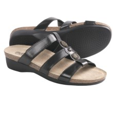 Munro American Virgo Sandals (For Women) in Black Leather - Closeouts