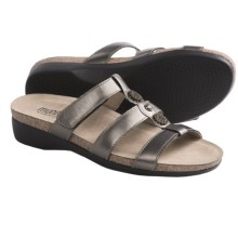 Munro American Virgo Sandals (For Women) in Pewter Metallic Leather - Closeouts