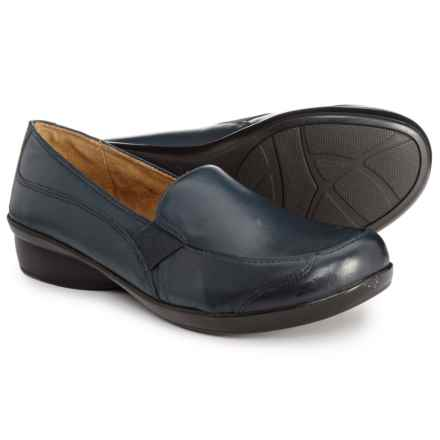7acf03aeee5 Natural Soul Carryon Loafers (For Women) in Navy Leather