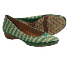 Naya River Shoes (For Women) in Kelly Green - Closeouts