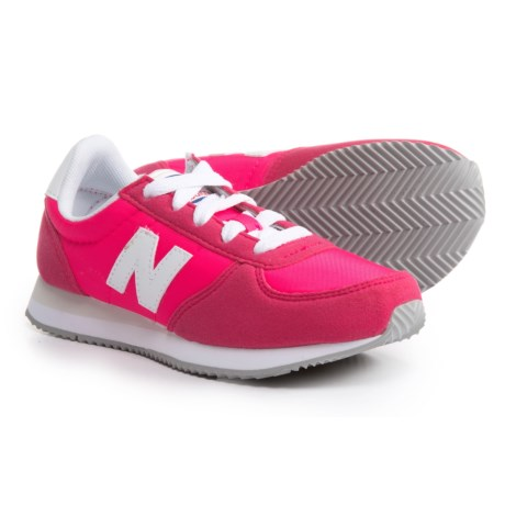 New Balance 220 Sneakers (For Girls) in Pink