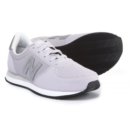 New Balance 220 Sneakers (For Girls) in Purple