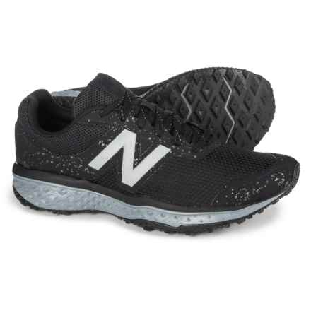 New Balance 620V2 Trail Running Shoes (For Men) in Black - Closeouts