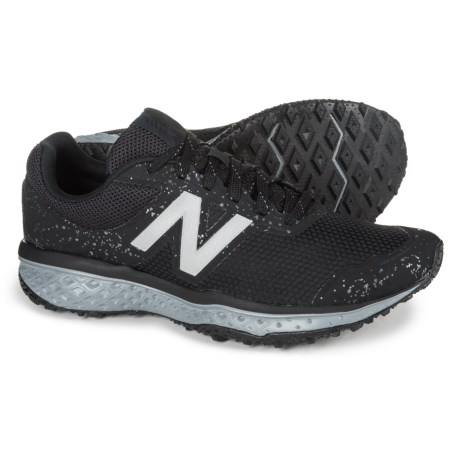 New Balance 620V2 Trail Running Shoes (For Men) in Black