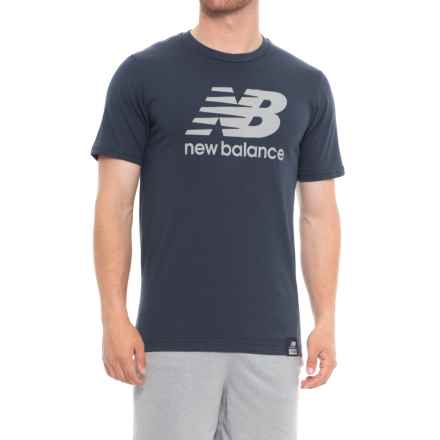 New Balance Essential Plus Logo T-Shirt - Short Sleeve (For Men) in Navy - Closeouts
