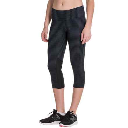 New Balance Graphic Capris (For Women) in Black/Grey - Closeouts