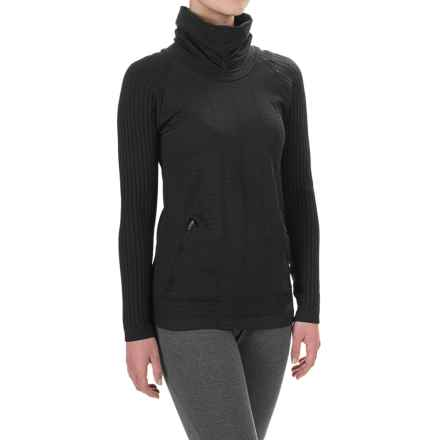 New Balance M4M Cable Turtleneck - Long Sleeve (For Women) in Black - Closeouts