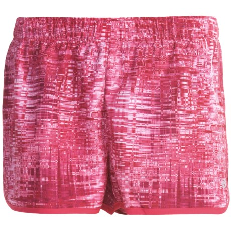 New Balance Momentum Print Shorts (For Women) in Raspberry