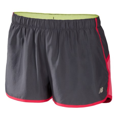 New Balance Momentum Shorts - Built-In Brief (For Women) in Magnet W/ Watermelon