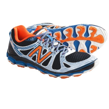 photo: New Balance Women's 810 trail running shoe