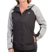 New Balance Surface Run Hooded Running Jacket (For Women) in Black/Grey - Closeouts