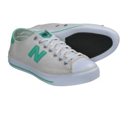 New Balance WCPT Casual Shoes (For Women) in Off White/Green