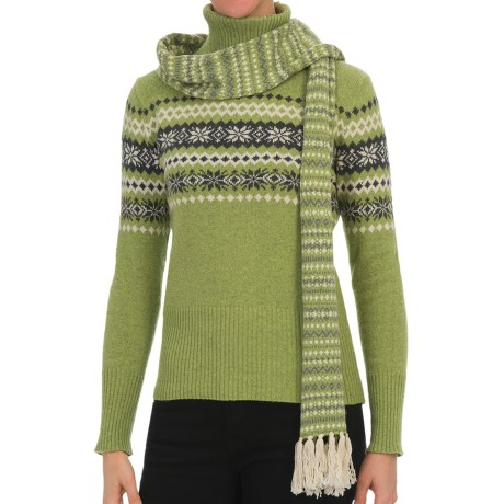 Nomadic Traders Winter Solstice Scarf (For Women) in Pear