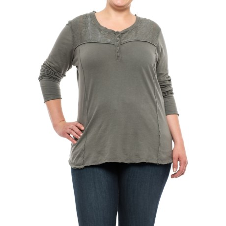 North River Raw-Edge Henley Shirt - Long Sleeve (For Plus Size Women) in Trout