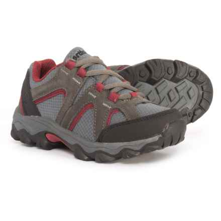 Northside Chason Low Hiking Shoes (For Little and Big Boys) in Dark Gray/Red - Closeouts