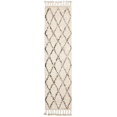 nuLOOM Moroccan Shag Floor Runner with Tassels - 2x12', Wool in Natural