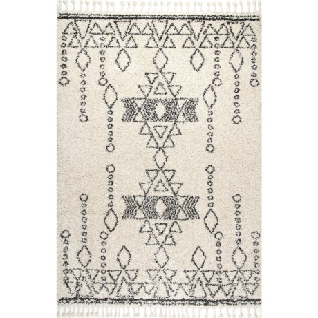 "nuLOOM Transitional Shag Area Rug with Tassels - 5'3""x7'7"" in Off White"
