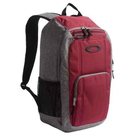 Oakley Enduro 2.0 Backpack - 22L in Grigo Scuro - Closeouts
