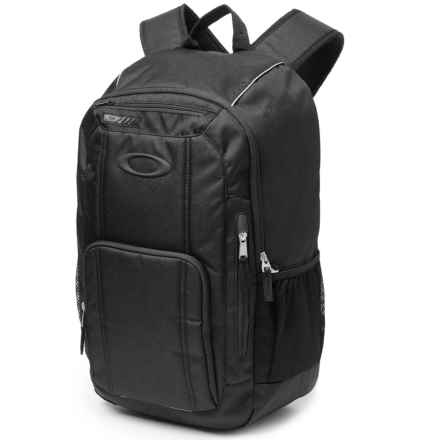 Oakley Enduro 25L 2.0 Backpack in Blackout - Closeouts
