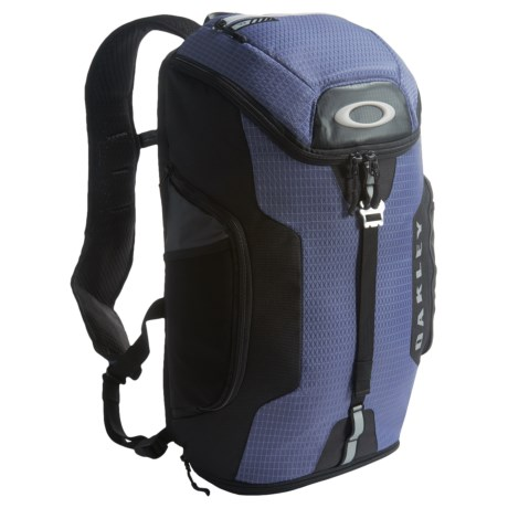 Oakley Link 20L Backpack in Blue Indigo