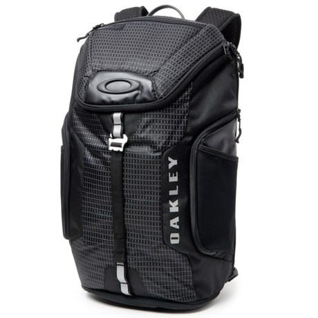 Oakley Link 20L Backpack in Jet Black